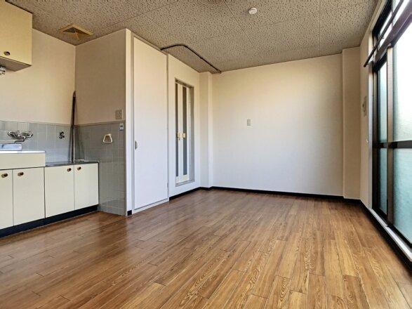 洋室です。約10.4帖ございます。